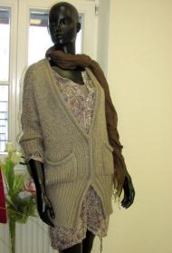 16) Платье Massimo Dutti (шелк) 189000 руб., кардиган Massimo Dutti  129000 руб. (акрил, махер, нейлон)