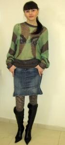 17) Джемпер Numpf 129000 руб, юбка Killah (Италия) 199000 руб.