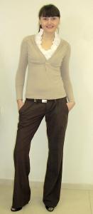 21) Джемпер Rinascimento 169000 руб., брюки Miss Sixty 199000 руб.