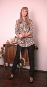 5) Рубашка 89000 руб., джинсы 129000 руб. Stradivarius