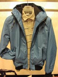 11) куртка 189000 руб. + коричневая, поло 64000 руб. + синий, черный