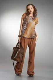 08) блуза 312 500, размеры: 50-60; брюки 352 800, размеры: 42-54