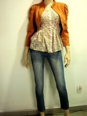 01-куртка-380.000, блуза-215.000, джинсы-550.000