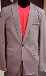04) костюм мужской (хлопок) молодежной линии,  размеры с 48 по 52, цена 750.000 руб.