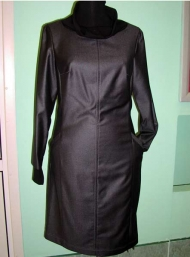 Платье с трикотажными манжетами и воротником 155.000 (+ коричневый цвет)
