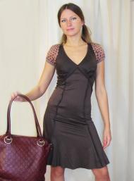 Платье Stefanel 169.000 руб., сумка 149.000 руб.