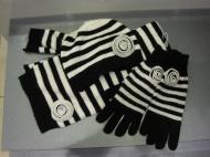 Шапка 39.000, шарф 49.000, перчатки 49.000