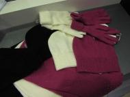 Шапка 39.000, перчатки 29.000, шарф 59.000