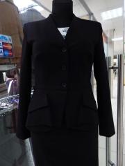 06) пиджак сзади с баской 520,000