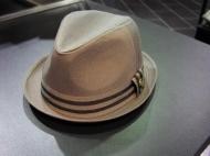 шляпа 39.000 + черный цвет