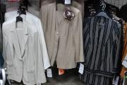 10) костюмы брючные в ассортименте