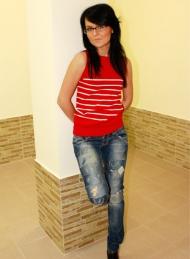6) жилетка Zara 69 000 руб., джинсы Bershka 139 000 руб.