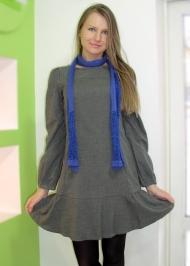 9) Платье Joos 139.000 руб., шарф Blend 29.000 руб.
