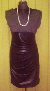 9) 122000 руб. платье: юбка атласная, верх темно-серый трикотаж