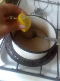 Лимонный сок или кислота необходимы для того, чтобы сироп не засахаривался