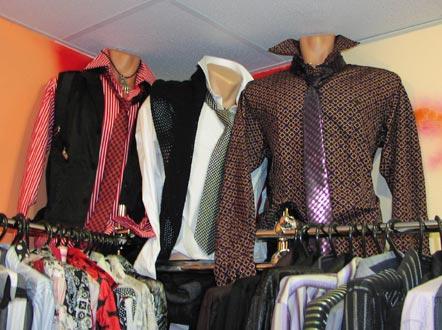 Мужские сорочки и галстуки в ассортименте