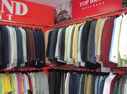 Мужские костюмы и пиджаки в ассортименте