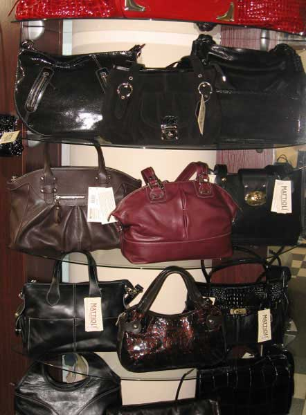 В тон сумки можно подобрать ремень Маттиоли.  Кроме того, в магазине...