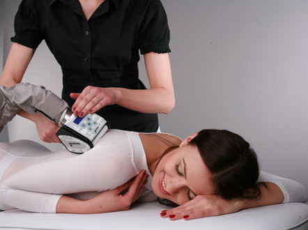 Би на массаже видео фото 724-65