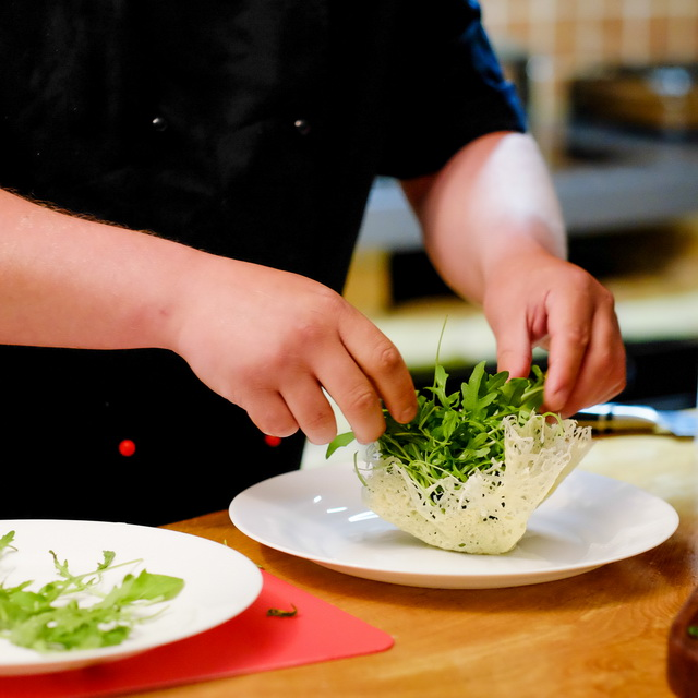 Видео как приготовить тесто на хворост простой рецепт